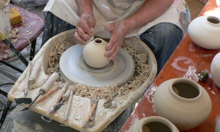 Kroćenje gline:Keramika u radionici Lazara Rančića