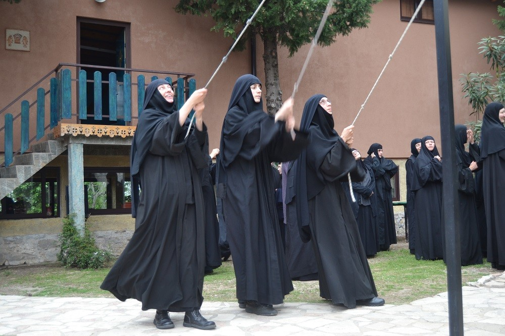 Manastir Rustovo, gde molitva blagosilja sve
