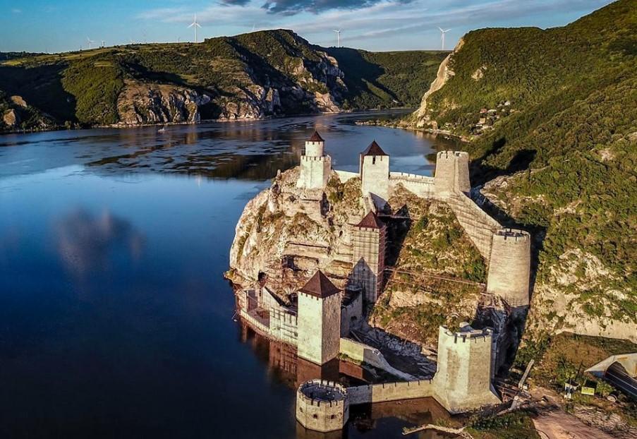 Golubačka tvrđava, moćna, mistična i magična