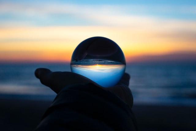 Kozirjevljevo ogledalo gde se vidi prošlo, sadašnje i buduće