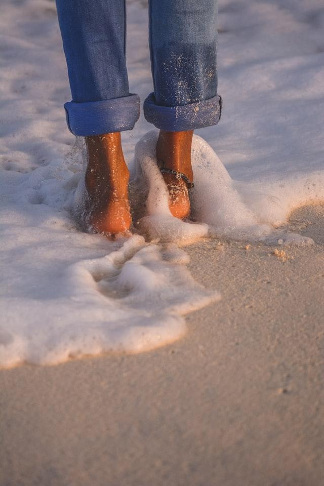 stopala u pesku