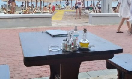Crna Gora, more: Mnogo turista-malo troše